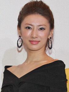 韓国 植毛 手術 当日 直後 ヘアライン 産毛 生え際 形 デザイン